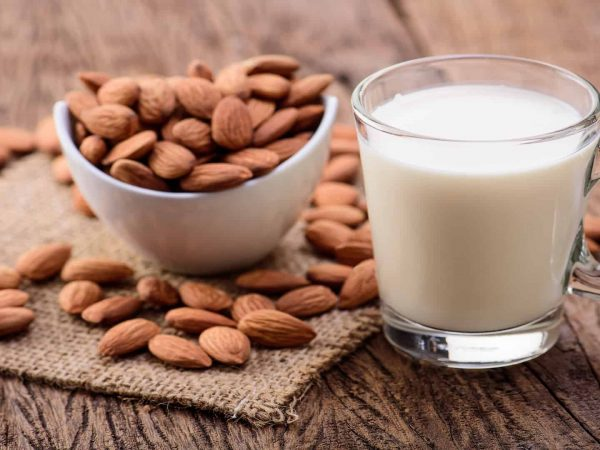 Best Almond Milk 2020: Shopping Guide & Review