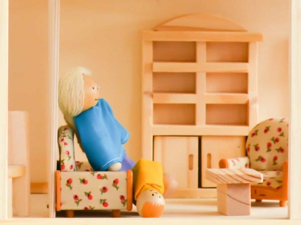 Best Dollhouse 2020: Shopping Guide & Review