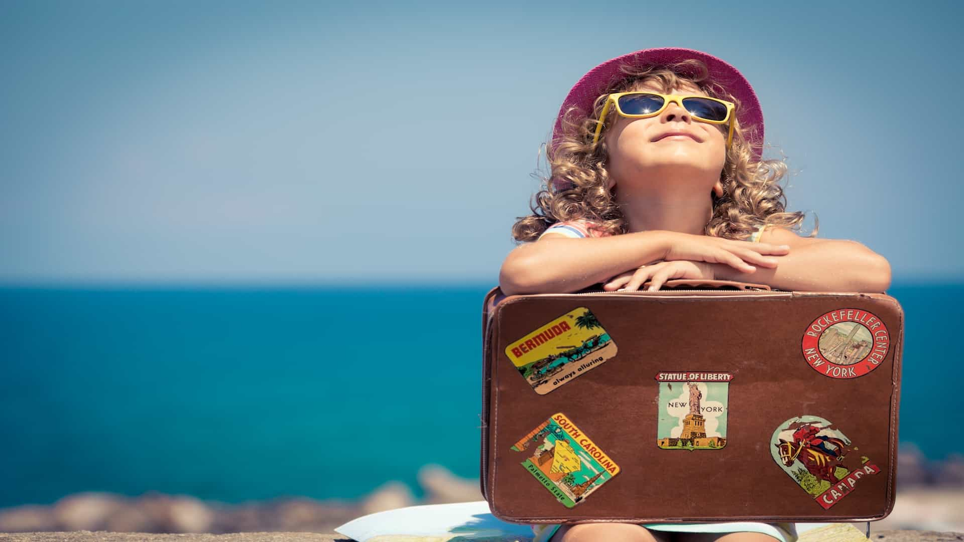 Best Kid's Suitcase 2020: Shopping Guide & Review