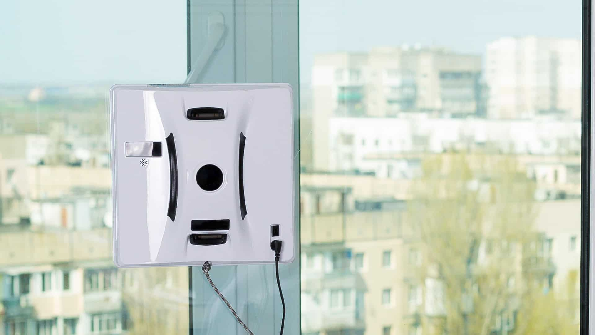 Best Robotic Window Cleaners 2020: Shopping Guide & Review
