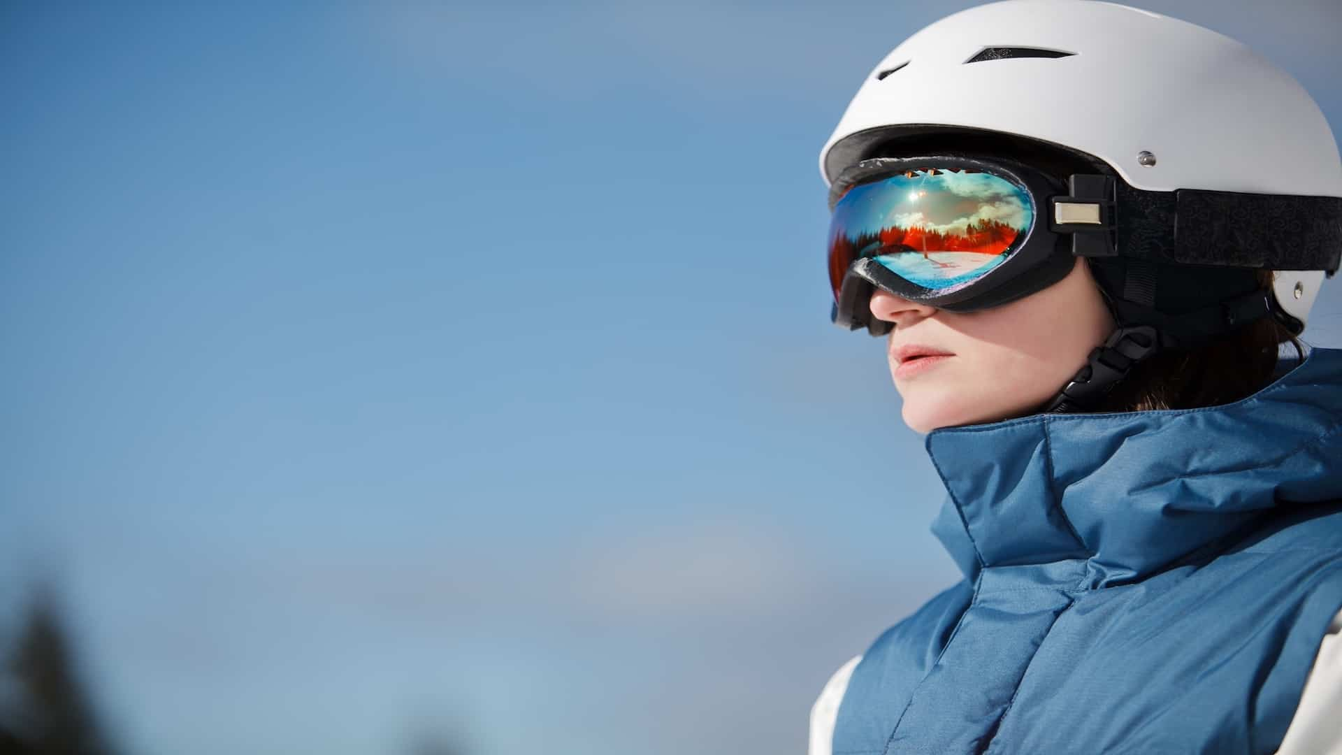 Best Ski Goggles 2021: Shopping Guide & Review