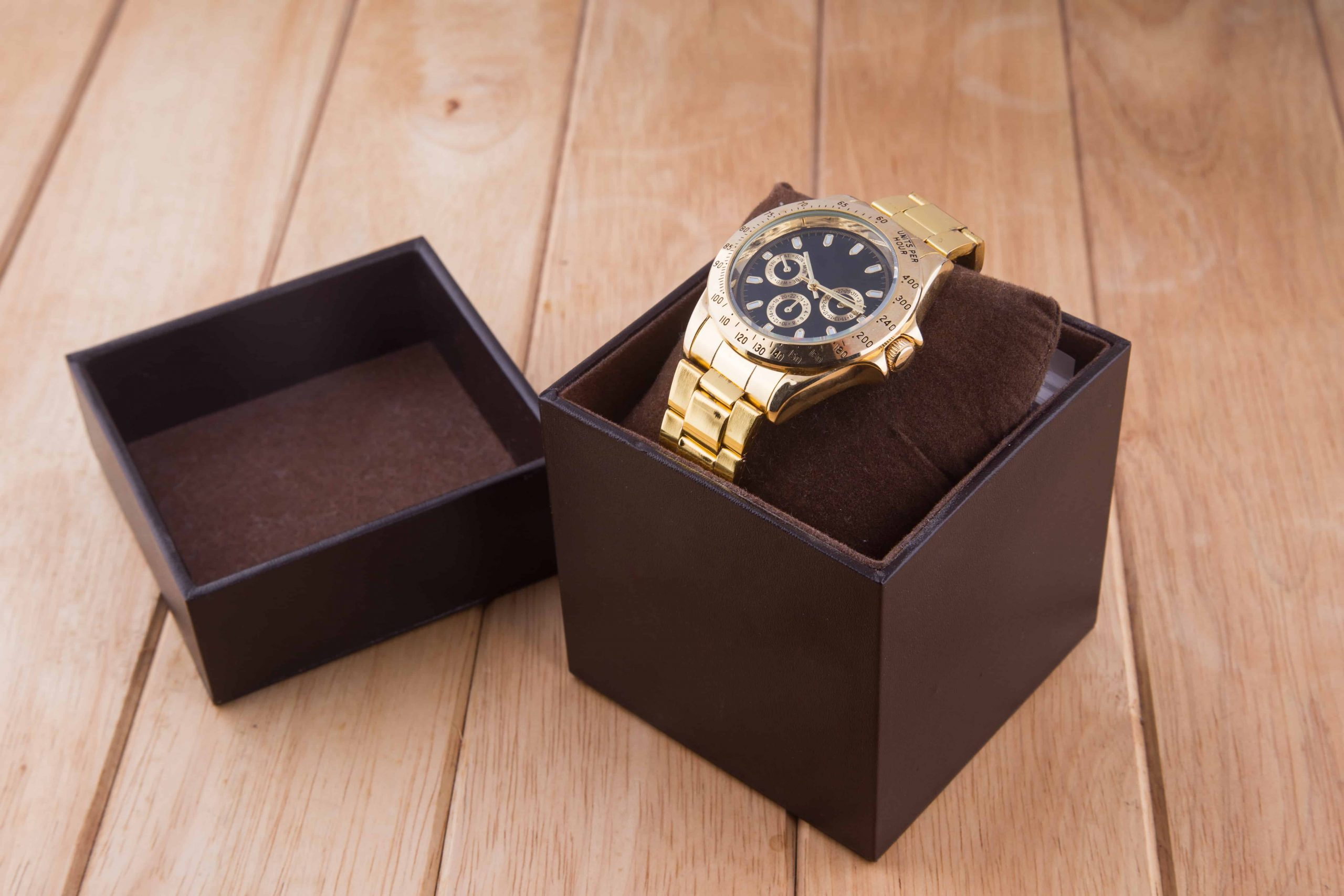 Unboxing watch