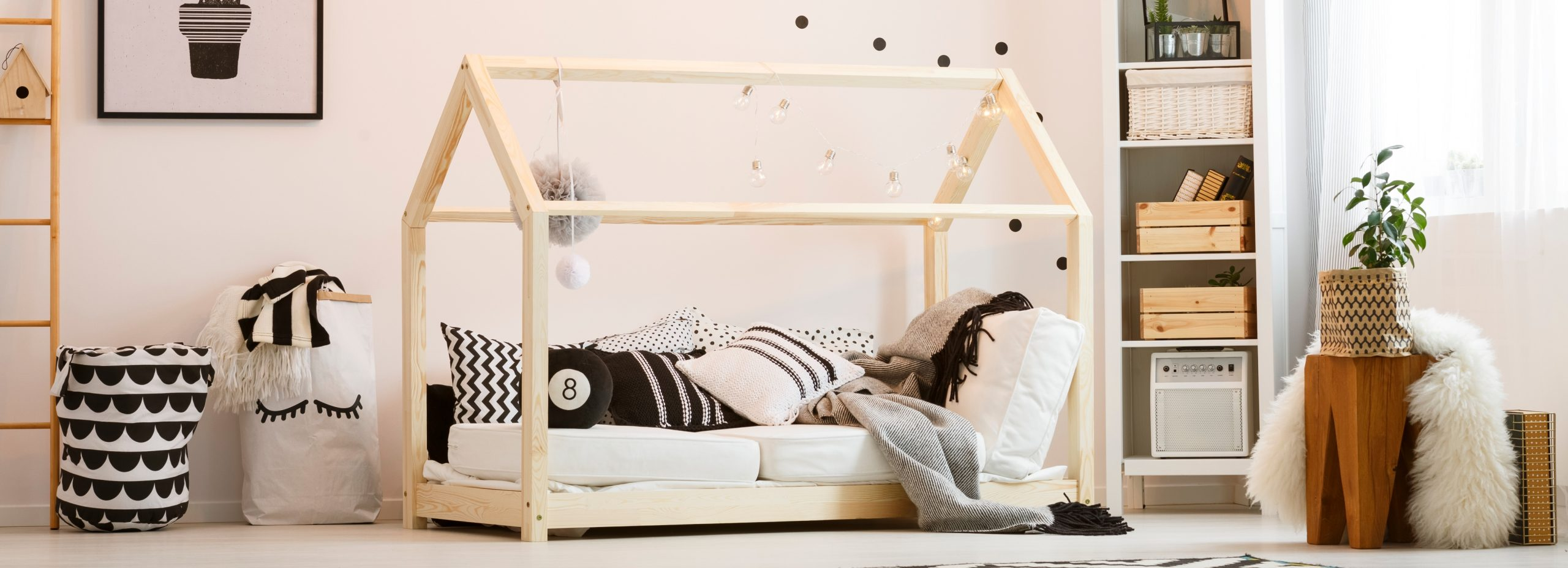 Best Montessori Bed 2020: Shopping Guide & Review